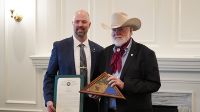 Oklahoma House Honors Famed Cowboy Poet Red Steagall