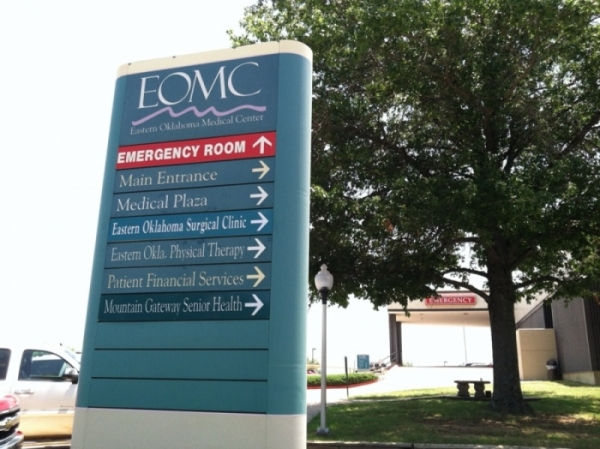 Everyone entering EOMC required to wear mask