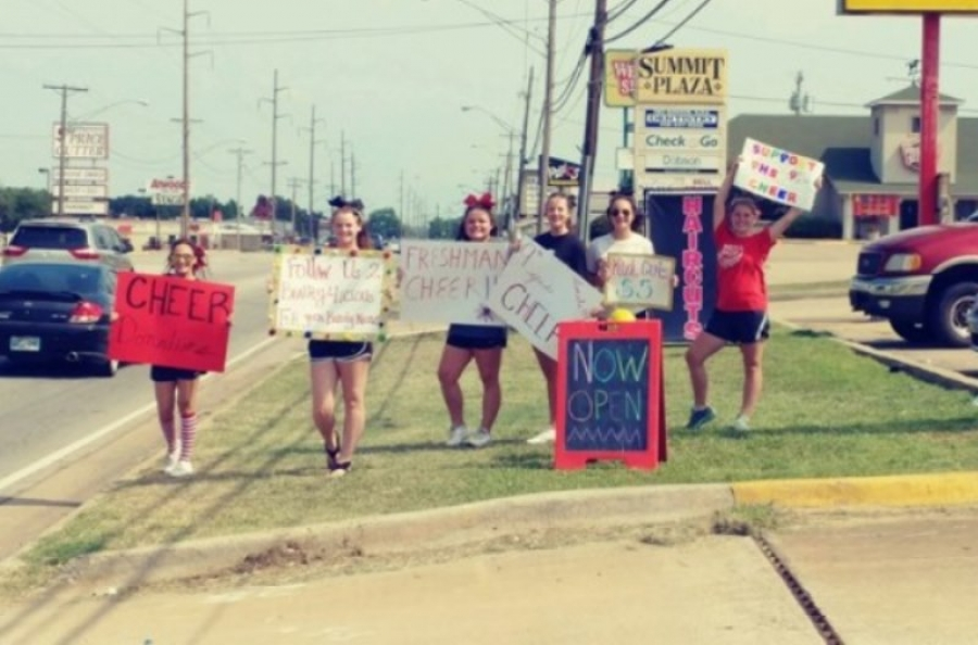 Poteau Freshman Cheerleaders taking donations | OKW News